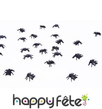 Fausses mouches noires en plastique de 2cm