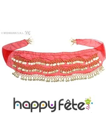 Foulard oriental rouge et décoré