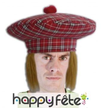 Grand bonnet ecossais avec cheveux roux