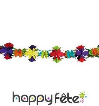 Guirlande colorée de fleurs en papier