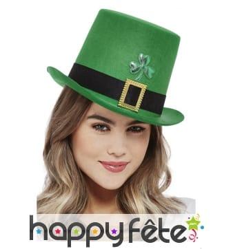 Grand haut de forme vert Saint Patrick avec trèfle