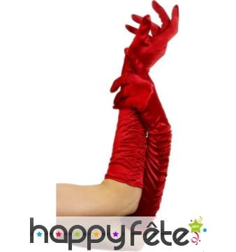Gants long rouge femme séductrice