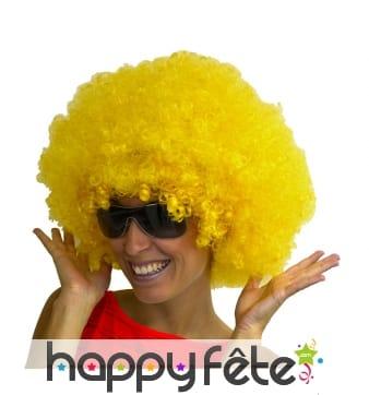 Grosse perruque afro jaune