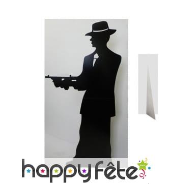 Grande silhouette de gangster armé en carton