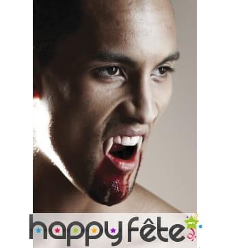 Longues dents de vampire