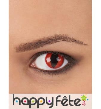 Lentilles fond rouge pupille de reptile