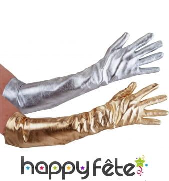 Longs gants argentés de star