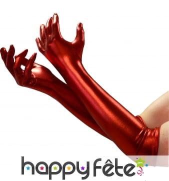Long gants satinés rouges