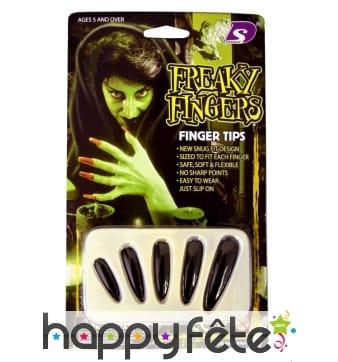 Longs ongles noir de sorcière