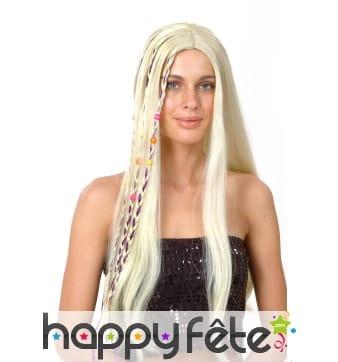 Longue perruque blonde, tresses et perles colorées
