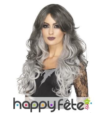 Longue perruque bouclée grise stylisable