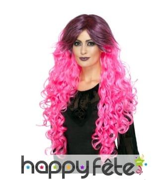 Longue perruque bouclée rose néon gothique