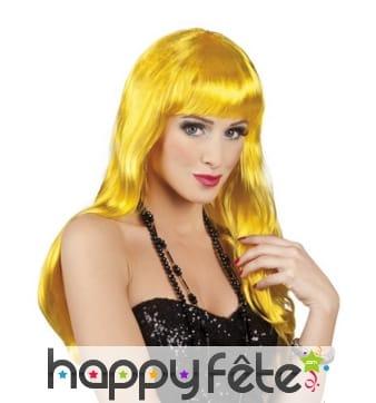 Longue perruque jaune ondulée avec frange