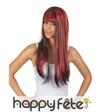 Longue perruque noire balayage rouge