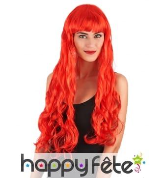 Longue perruque rouge ondulée