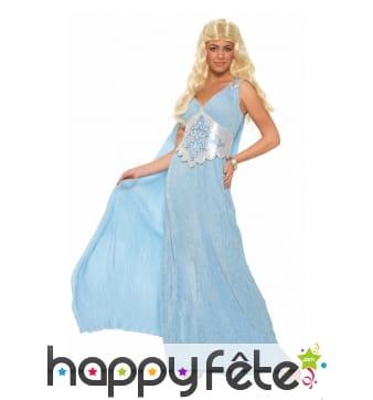Longue robe bleue de style médiéval