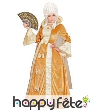 Luxueuse robe beige vénitienne, modèle luxe