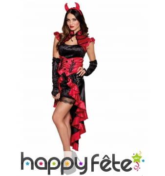 Longue robe de diablesse flamenco
