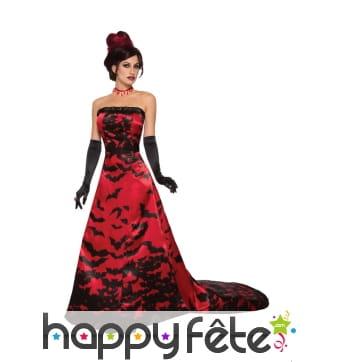Longue robe de vampire avec trainée chauve souris