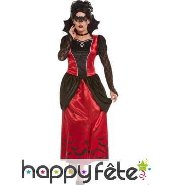 Longue robe gothique rouge et noire de vampire
