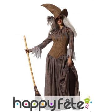 Longue robe marron de sorcière avec chapeau