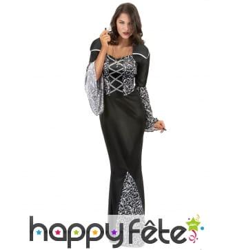 Longue robe noire avec motifs de femme vampire