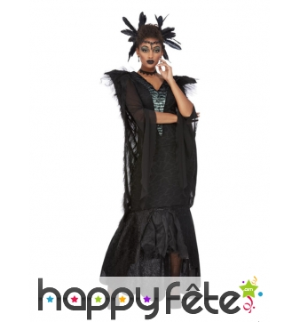 Longue robe noire de femme corbeau