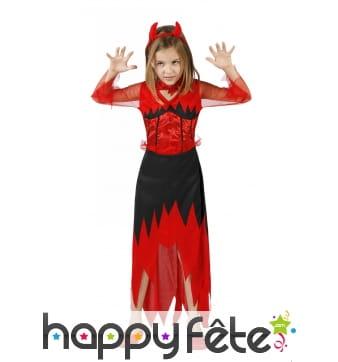 Longue robe noire et rouge de petite diablesse