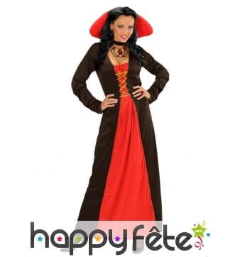 Longue robe noire rouge avec grand col rouge