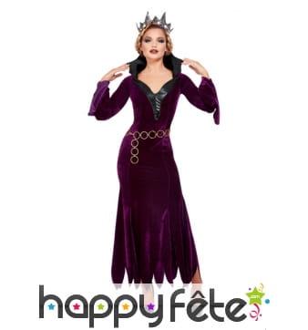 Longue robe violette de reine avec col noir