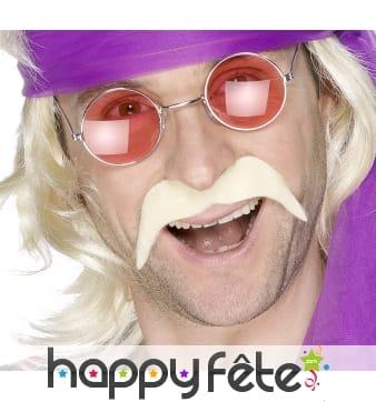 Moustaches blondes de hippies