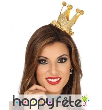 Mini couronne de reine pailletée dorée pour femme