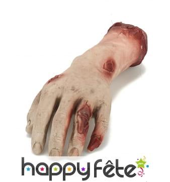 Main coupée en plastique souple