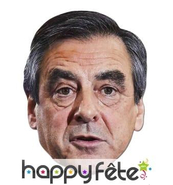 Masque de François Fillon en carton
