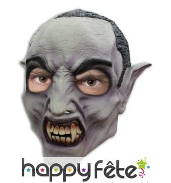 Masque de vampire montrant les dents