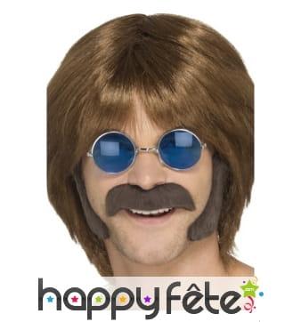 Moustache et rouflaquettes de hippie brun