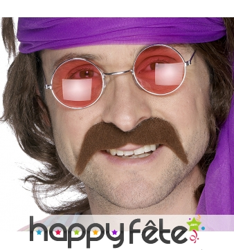Moustaches hippies chatain