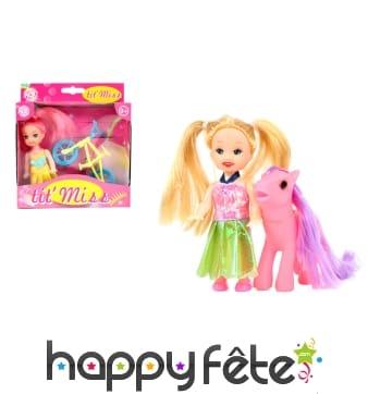 Mini poupée avec accessoires assortis