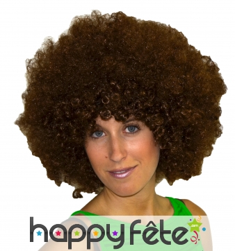Perruque afro de couleur chatain