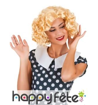Perruque blonde ondulée années 50