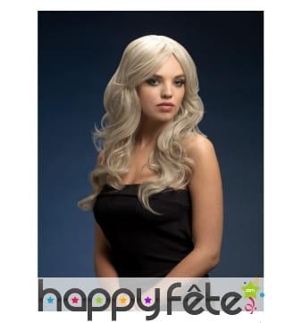 Perruque blonde platine longue et ondulée