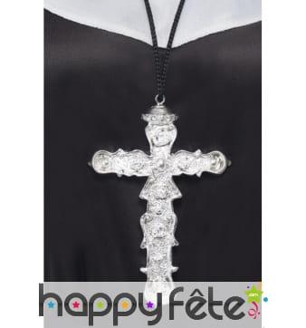 Pendentif croix avec cordon noir