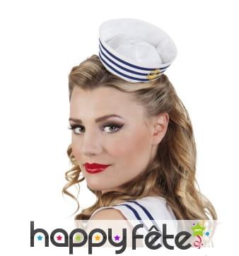 Petit chapeau de marin pour femme