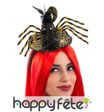 Petit chapeau de sorcière noir en forme d'araignée