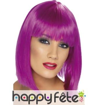 Perruque carré plongeant violette fluo
