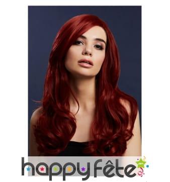 Perruque longue rouge rubis ondulée