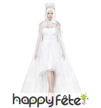 Robe blanche queue de pie de reine des glaces