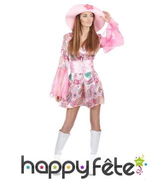 Robe courte hippie à motifs rose avec chapeau
