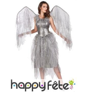 Robe d'ange grise ailée