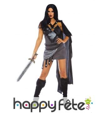 Robe de guerrière du Moyen-Âge avec cape, femme